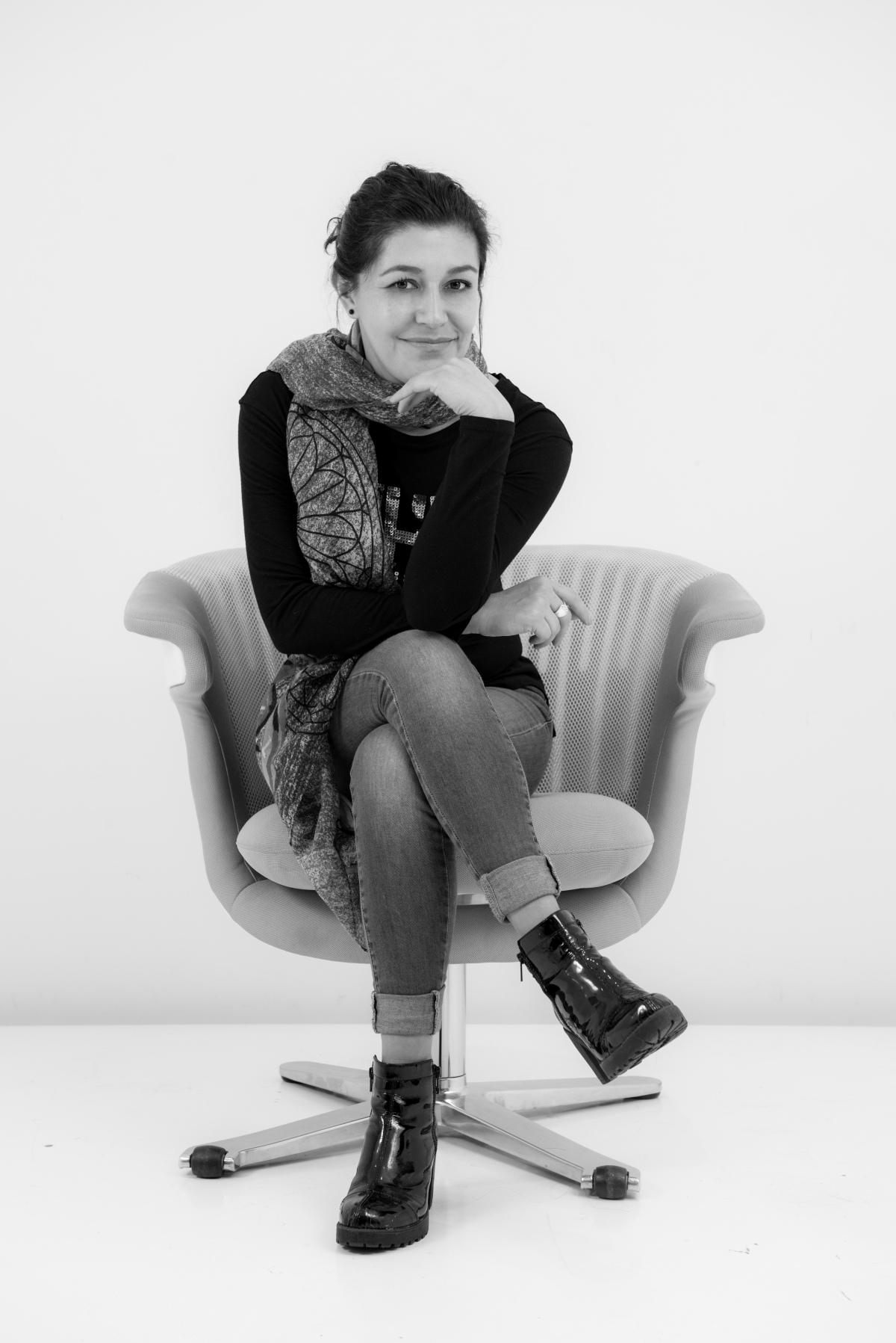 La mirada artística y feminista de Nancy Granados en una revista parahombres